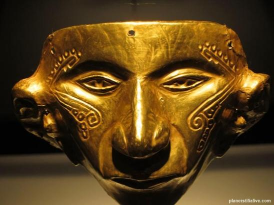 Colombia_Gold_Museum_Shaman_mask_f31e741aa1b0438b9f2c2416eeb3a88e